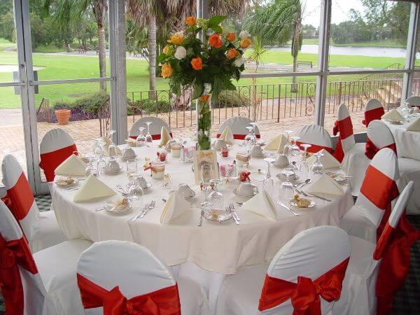 wedding tables linens